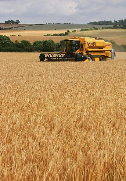 Combine Harvester「Agriculture Dominates Debate Over EU Funding」:写真・画像(15)[壁紙.com]