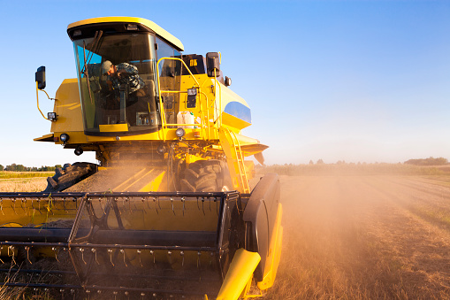 Agricultural Machinery「Combine Harvester」:スマホ壁紙(14)
