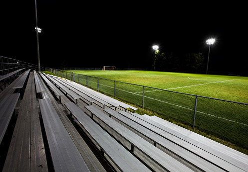 Sideline「Soccer Field at Night」:スマホ壁紙(12)