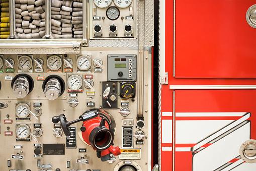 Hose「Dials on fire truck」:スマホ壁紙(9)