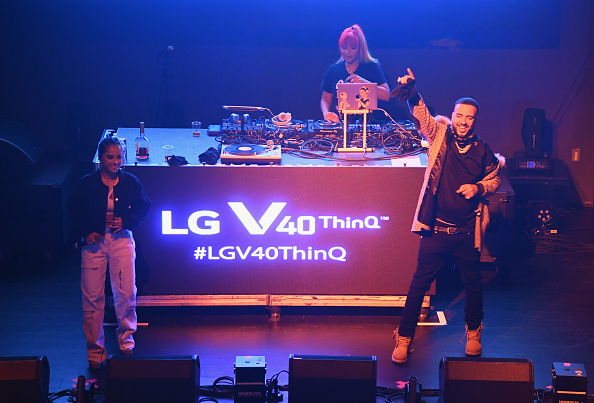 Dave Kotinsky「5 Boroughs. 5 Nights. 5 Views with the LG V40 ThinQ」:写真・画像(3)[壁紙.com]