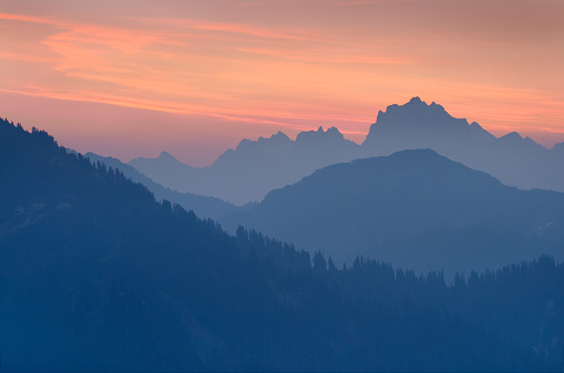 North Cascades National Park「North Cascades at dawn」:スマホ壁紙(16)