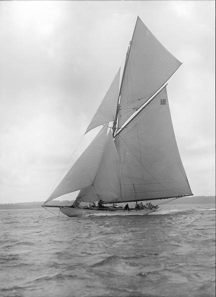 Cutting「The Cutter Onda Sailing Close-Hauled」:写真・画像(4)[壁紙.com]