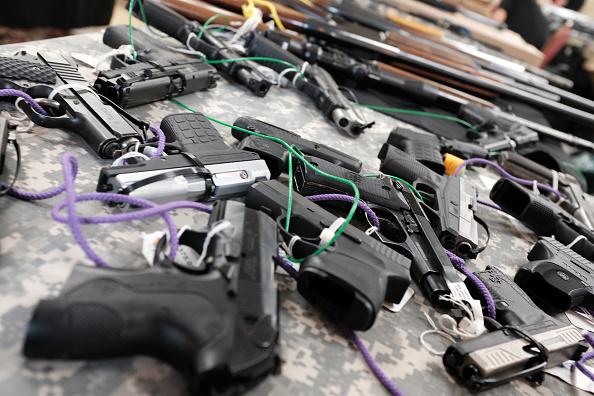 Naples - Florida「Gun Deaths On The Rise Again U.S. After A Decade Of Declines」:写真・画像(18)[壁紙.com]