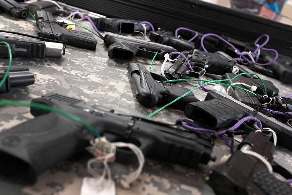 Naples - Florida「Gun Deaths On The Rise Again U.S. After A Decade Of Declines」:写真・画像(17)[壁紙.com]