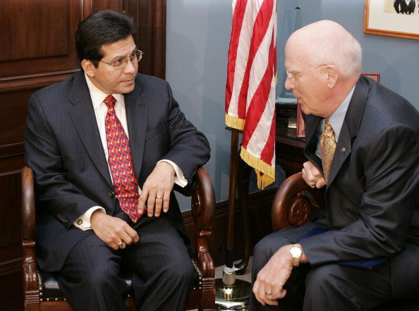 John S「Leahy Meets With Attorney General Nominee Alberto Gonzalez」:写真・画像(18)[壁紙.com]