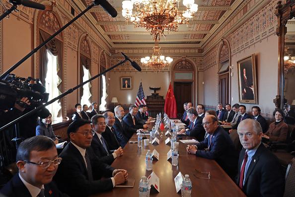 Wilbur Ross「US-China Trade Talks Open In Washington DC」:写真・画像(3)[壁紙.com]