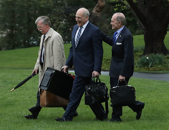 Kelly public「President Trump Departs White House En Route To Florida」:写真・画像(9)[壁紙.com]