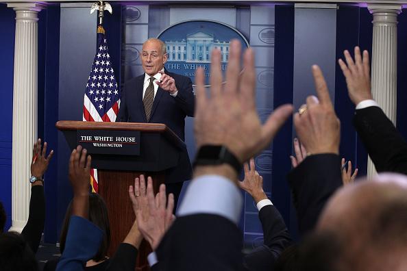 Press Room「Press Secretary Sarah Sanders Holds Daily White House Press Briefing」:写真・画像(2)[壁紙.com]
