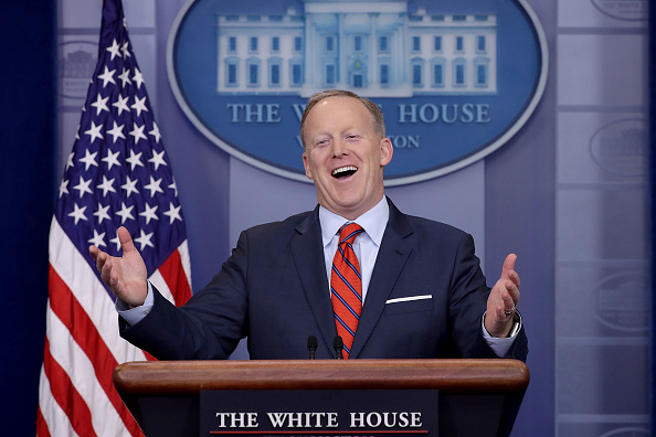 笑顔「White House Press Secretary Sean Spicer Holds Daily Press House Briefing At White House」:写真・画像(14)[壁紙.com]