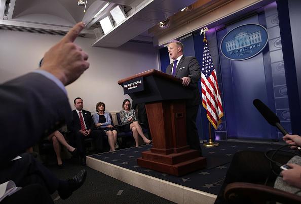 Alex Wong「White House Press Secretary Sean Spicer Holds Daily Press Briefing」:写真・画像(2)[壁紙.com]