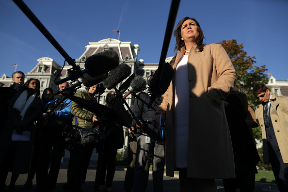 Fox Photos「Press Secretary Sarah Sanders Speaks To The Media Outside The White House」:写真・画像(14)[壁紙.com]