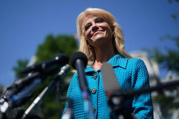 Weekend Activities「White House Advisor Kellyanne Conway Speaks To Media」:写真・画像(5)[壁紙.com]