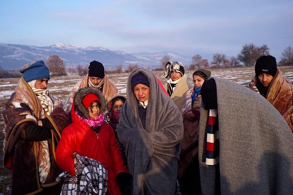 Bedding「Migrants Wait For Trains In Sub Zero Temperatures On The Serbian Border」:写真・画像(9)[壁紙.com]