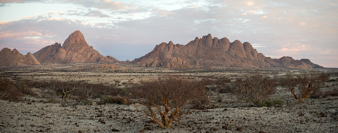 Basalt「Berg Spitzkoppe - Namibia」:スマホ壁紙(6)