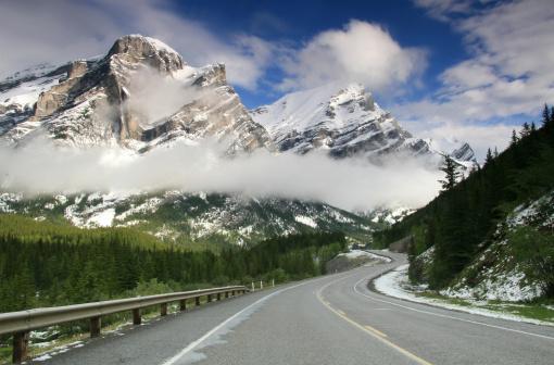 雪山「Mountain Road」:スマホ壁紙(13)