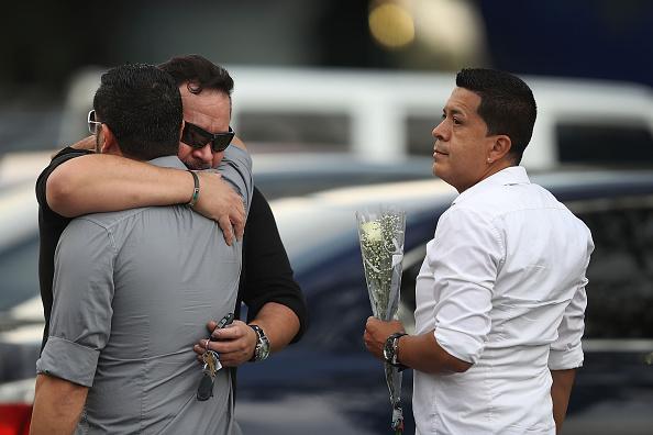 フロリダ州オーランド「Orlando Continues To Mourn The Mass Shooting At Gay Club That Killed 49」:写真・画像(16)[壁紙.com]