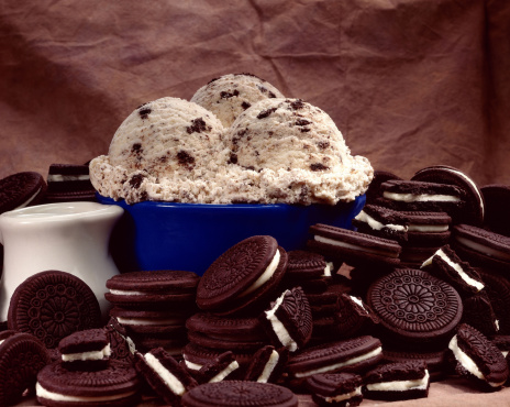 Pour Spout「Ice cream and chocolate sandwich cookies」:スマホ壁紙(5)