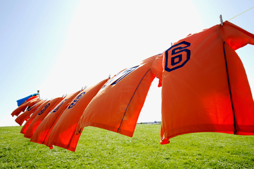 Soccer Uniform「football dresses hanging on clothesline」:スマホ壁紙(12)