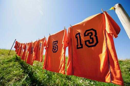 Soccer Uniform「football dresses hanging on clothesline」:スマホ壁紙(10)