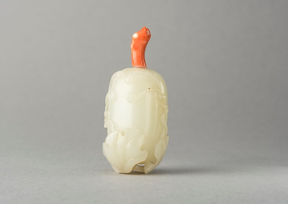 Swirl Pattern「Jade Snuff Bottle」:写真・画像(0)[壁紙.com]