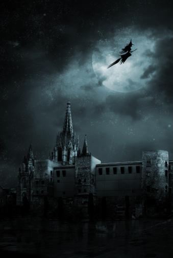 月「幽霊には、空の街」:スマホ壁紙(14)