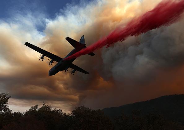 Airplane「LNU Lightning Complex Fire Burns In Napa County」:写真・画像(5)[壁紙.com]