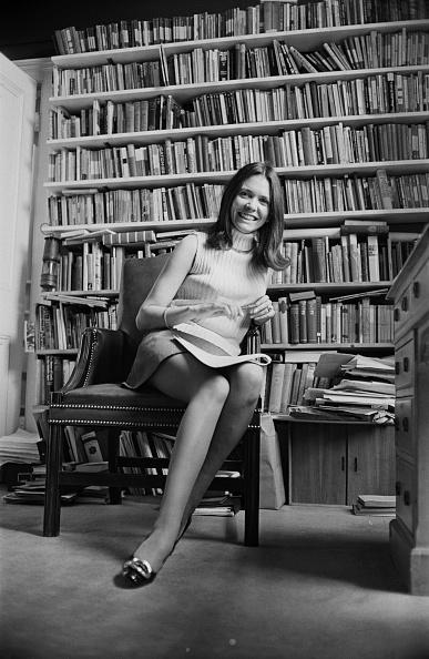 カメラ目線「Joan Bakewell」:写真・画像(6)[壁紙.com]