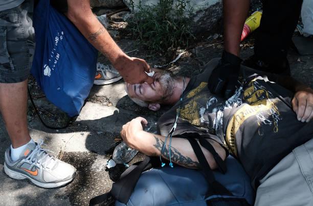 Philadelphia Battles Heroin Epidemic In Kensington District:ニュース(壁紙.com)