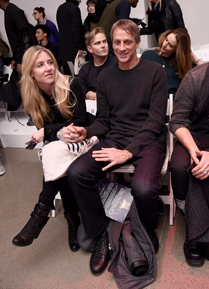 Small Group Of People「VFILES - Front Row - Fall 2016 New York Fashion Week」:写真・画像(13)[壁紙.com]