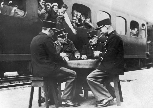Railroad Car「Customs Card Game」:写真・画像(17)[壁紙.com]