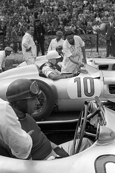 Mechanic「Juan Manuel Fangio, Stirling Moss, Grand Prix Of The Netherlands」:写真・画像(19)[壁紙.com]