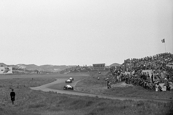 Motor Racing Track「Juan Manuel Fangio, Stirling Moss, Grand Prix Of The Netherlands」:写真・画像(11)[壁紙.com]