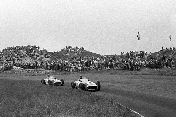 Motor Racing Track「Juan Manuel Fangio, Stirling Moss, Grand Prix Of The Netherlands」:写真・画像(18)[壁紙.com]