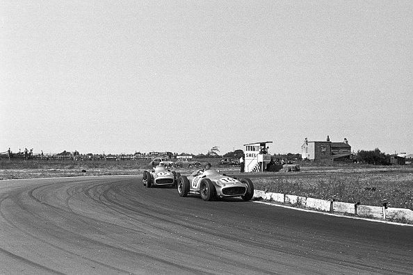 Sports Race「Juan Manuel Fangio, Stirling Moss, Grand Prix Of Great Britain」:写真・画像(19)[壁紙.com]
