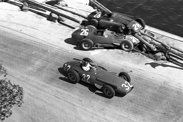 モナコ公国「Juan Manuel Fangio, Peter Collins, Mike Hawthorn, Grand Prix Of Monaco」:写真・画像(2)[壁紙.com]