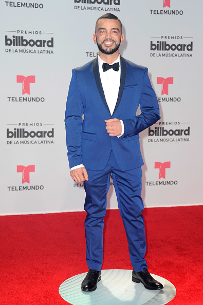 Blue Blazer「Billboard Latin Music Awards - Arrivals」:写真・画像(19)[壁紙.com]