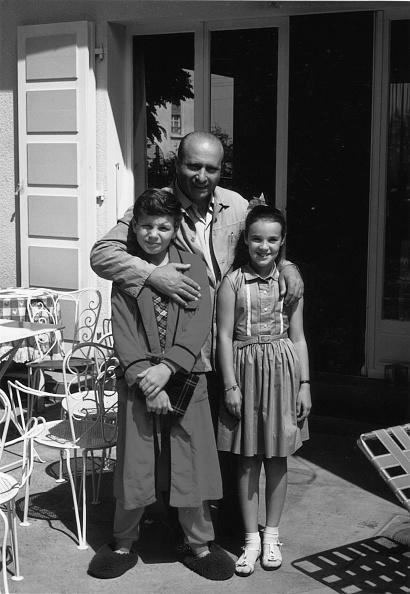 Paul-Henri Cahier「Juan Manuel Fangio, Paul-Henri Cahier, Michele Cahier, Bernard Cahier Home」:写真・画像(14)[壁紙.com]