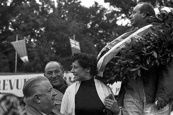 Switzerland「Juan Manuel Fangio, Andrea Beba Berruet, Alfred Neubauer, Grand Prix Of Switzerland」:写真・画像(7)[壁紙.com]