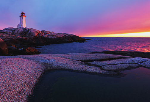 Beacon「Brilliant Sunset at Peggy's Cove Lighthouse」:スマホ壁紙(12)