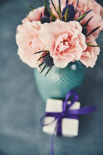 母の日「母の日の贈り物に手作りのバラの花束」:スマホ壁紙(12)