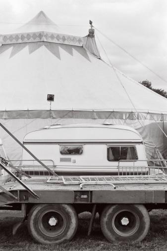 Circus Tent「Circus Caravan - La roulotte del Circo」:スマホ壁紙(13)