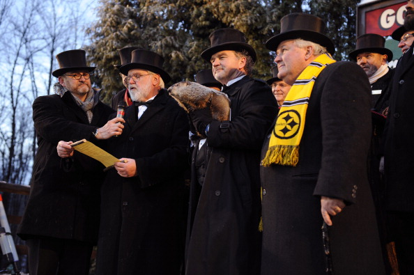 Event「Crowds Gathering On Groundhog's Day For Punxsutawney Phil Tradition」:写真・画像(18)[壁紙.com]