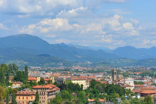Bergamo「View of Bergamo Bassa in Italy」:スマホ壁紙(19)