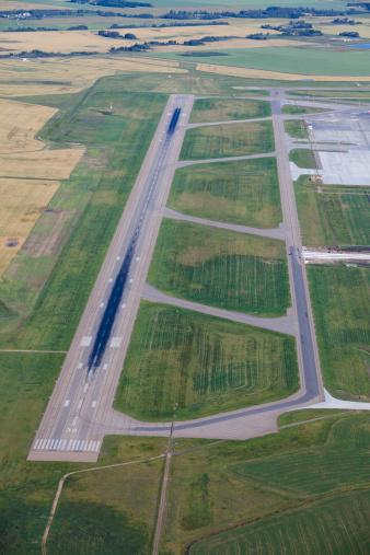 Edmonton「Runway」:スマホ壁紙(13)