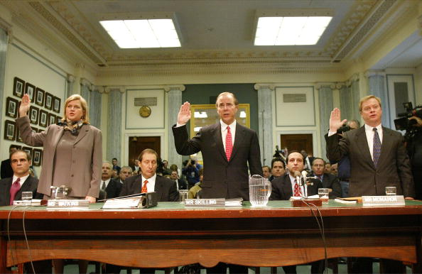 Enron「(FILE PHOTO)  Enron Officals, Past And Present, Are Sworn In For Testimony」:写真・画像(13)[壁紙.com]
