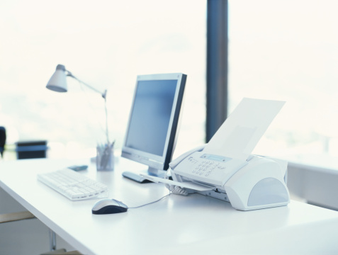 Lamp Shade「computer and a fax machine on a desk in an office」:スマホ壁紙(0)