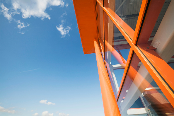 Low Angle View「The new B&Q store development in Dover, built to replace the old store in the centre of the town with restricted access.  Located on the outskirts of Dover with ample parking and good links to the A2 the store is due to open in 2009.  The building was co」:写真・画像(12)[壁紙.com]