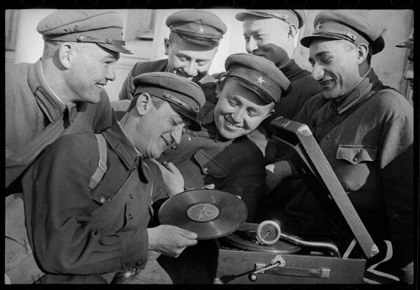 Gramophone「Soldiers」:写真・画像(18)[壁紙.com]