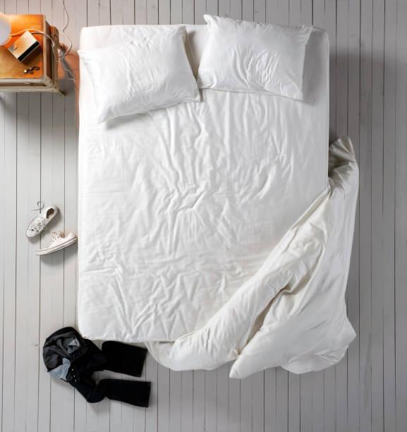 Empty bed:スマホ壁紙(壁紙.com)